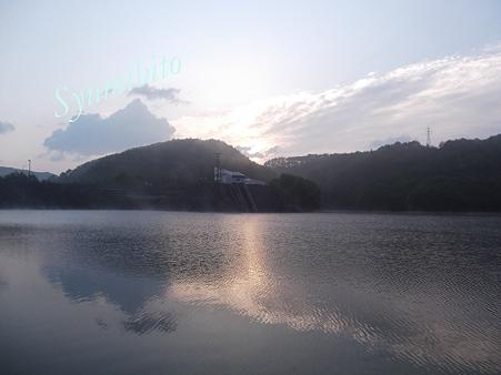 前川ダムにて 夜明け 2012.5月