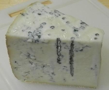 やぎ乳の青カビチーズー札幌
