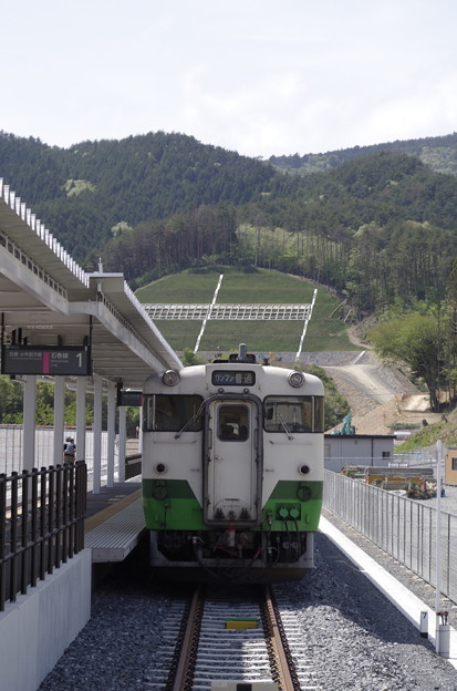 写真: 女川駅にやってきたキハ48形ワンマンカー