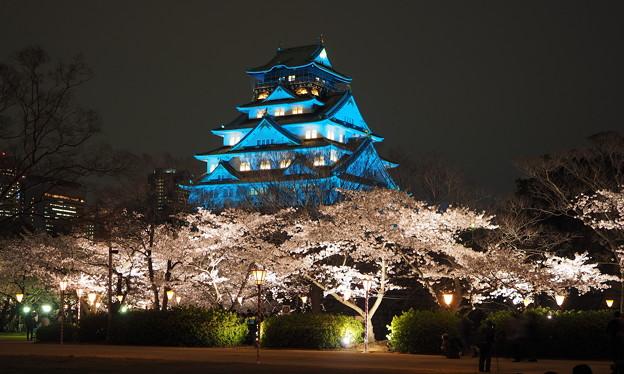 ブルーな大阪城