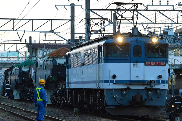 特大貨物EF65+シキ801B+シキ800C+ヨ8000形