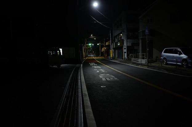 人気の全くない道路(4)