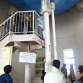 写真: 東山給水塔の一般公開 No - 038:天井の貯水タンクから伸びる水道管
