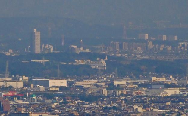 岐阜城天守閣から見た景色 No - 22:桃花台ニュータウンと中部大学