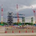 写真: 県営名古屋空港前に建設中の巨大な三菱の航空機組み立て工場 - 10:カラフルな工事現場