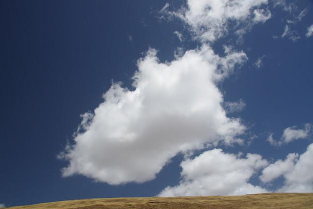 迫り来る雲