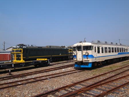 EF81と455系 松任工場01