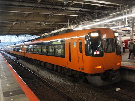近鉄22000系回送 近鉄奈良線大和西大寺駅