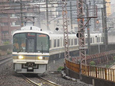 221系大和路快速  大阪環状線芦原橋駅02