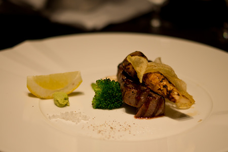 静岡県産ふじやま和牛のサーロインと早松茸のグリル