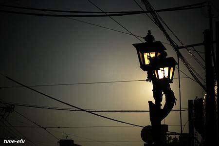 街灯・西日の頃