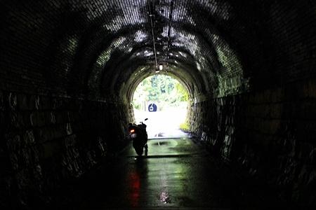 トンネルのトンネル