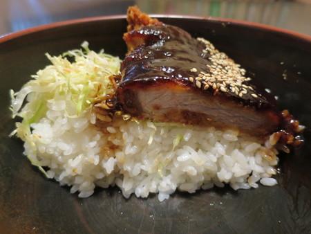 粋菜庵しなの 味噌カツ丼(全国ご当地どんぶりまつり限定) 断面図