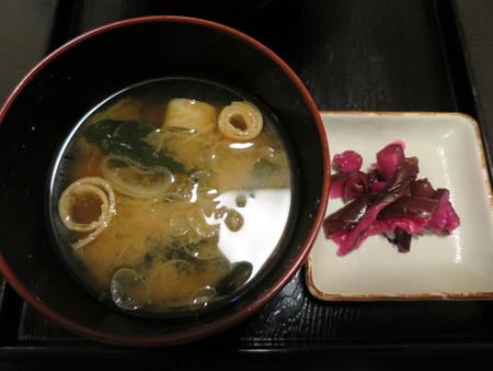 粋菜庵しなの 米沢牛焼肉丼(全国ご当地どんぶりまつり限定) 副菜の様子