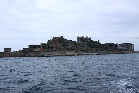 軍艦島側面2