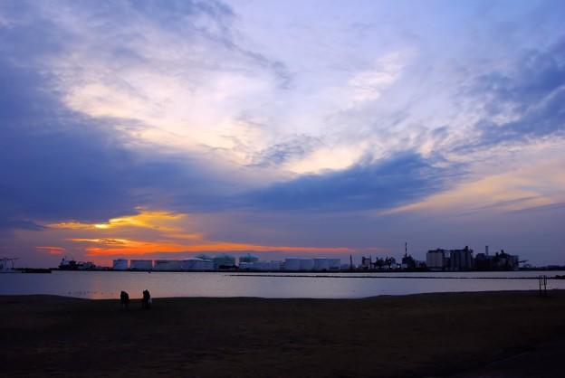 千葉港に陽は落ちて2