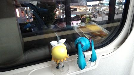 ミク:「大宮駅に停車。次はいきなり長野駅です!」 リン:「さあこ...
