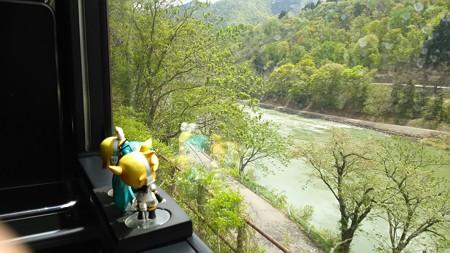 飯山→森宮野原間、上境付近。 ミク:「嗚ぁ呼ぁーー…… 河の流れ...