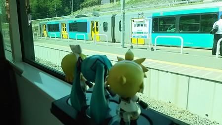 磐城石川駅に停車。対向列車待ち10分。