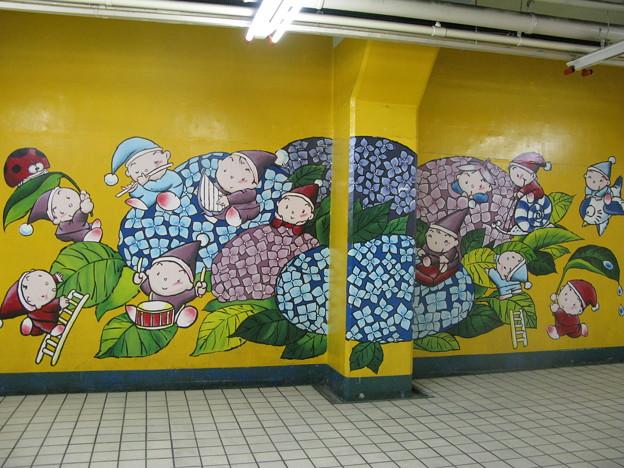 新開地~高速神戸 地下壁画_01