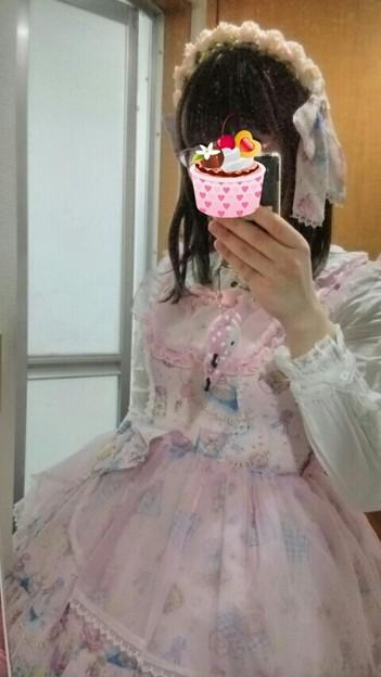 今日のお出かけで着た服。メタモのsugar tea timeコーデヽ(・∀・)ノ このお洋服久しぶりな気がする( ̄▽ ̄;) でもふわふわピンクで可愛くてお気に入り(*´∀`)
