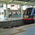 普通列車と黒船列車