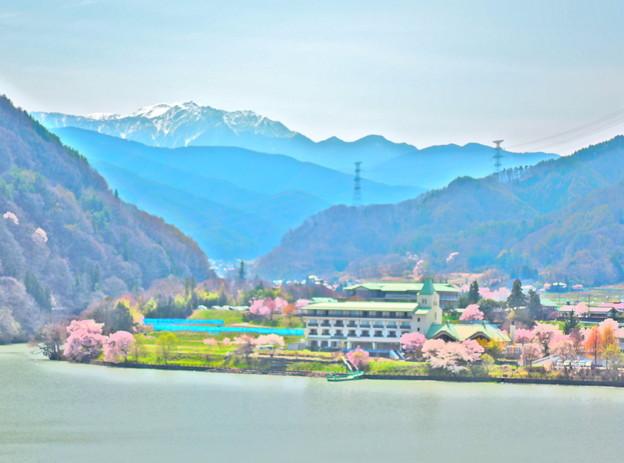 高遠湖と千丈岳(HDR)