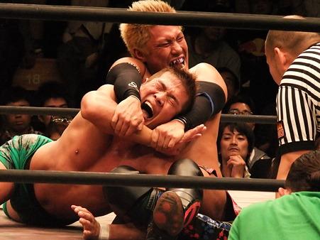 ドラゴンゲート オープン・ザ・ドリームゲート選手権 望月成晃vs戸澤陽 20111012 (8)
