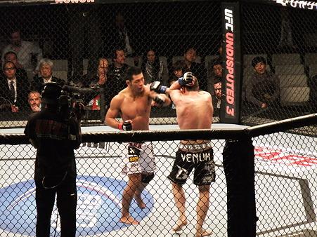 UFC 144 福田力vsスティーブ・キャントウェル (2)