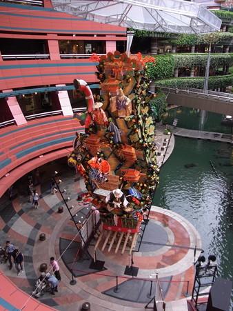 17 博多祇園山笠 飾り山 キャナルシティ博多 飛燕五条橋(ひえんごじょうばし)2012年 写真画像