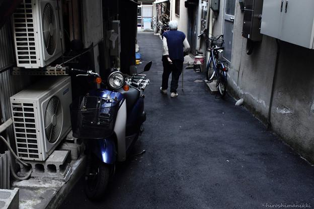 Photos: 青いスクーター