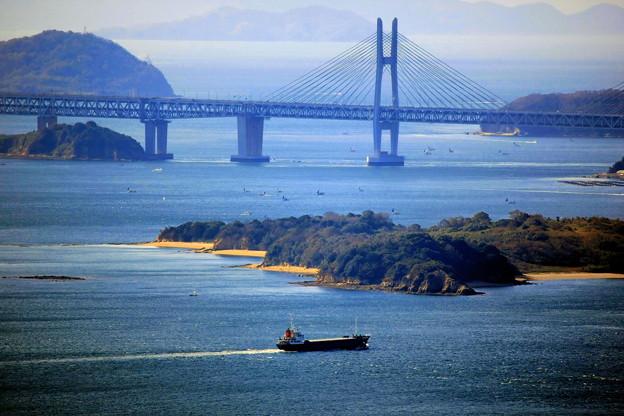 瀬戸大橋をズームアップ。。