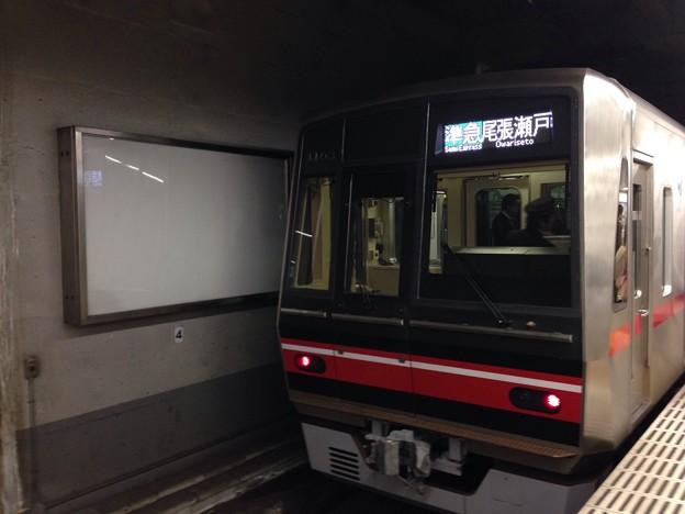 栄町駅の4000系