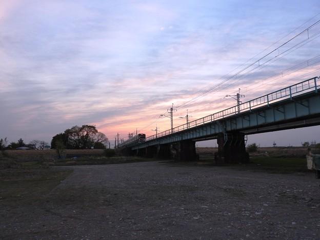 夕暮れ時の鬼怒川橋梁