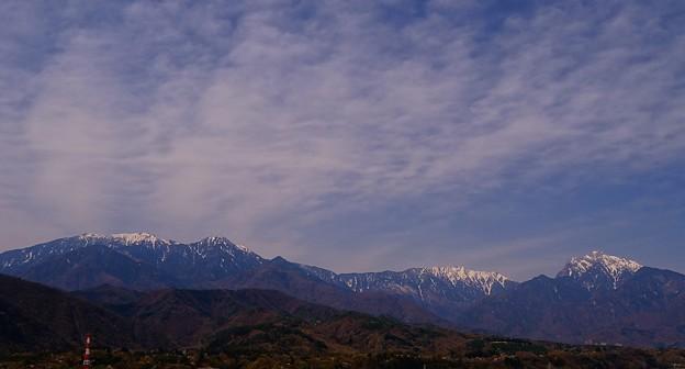南アルプス天然水 ♪ 本家本元【 白州 】より望む (左より)鳳凰三山~アサヨ峰~甲斐駒ケ岳