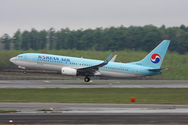 B737 HL8241 KAL takeoff