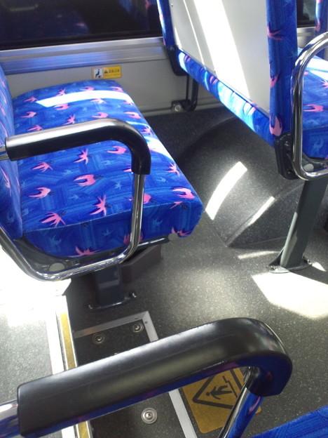 母さん、バスはがら空きです...