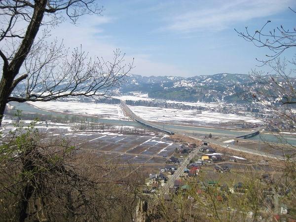 10.05 雪の田んぼs