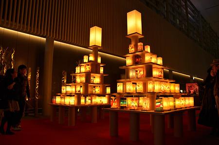 祈り行灯の塔