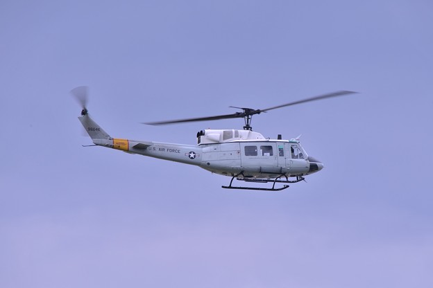 Photos: 横田基地で繰り返す飛行UH-1Nヘリ・・20140831