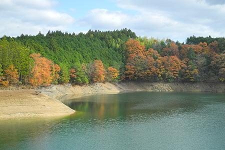 津風呂湖の紅葉2011-6