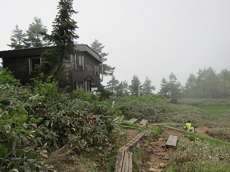c-110710-094531 避難小屋到着