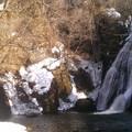 Photos: 峨瓏の滝にタッチ!
