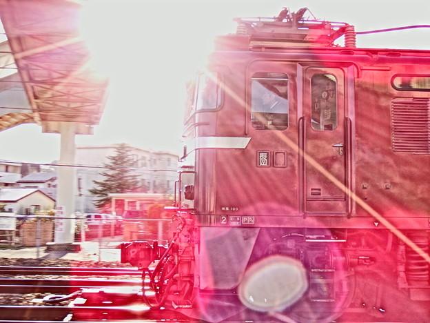 逆光EF81長岡車