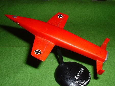 200分の1「ゼンガー 対蹠地爆撃地 その6 赤 斜め後ろ Doburoku-TAO