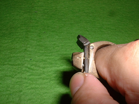 「指輪型 3連パッカーション ピストル」操作 左手人差し指にはめたのだろうか? Doburoku-TAO