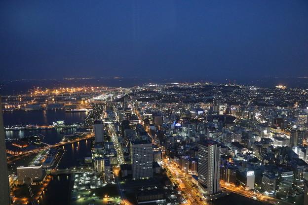 夕暮の横浜市街