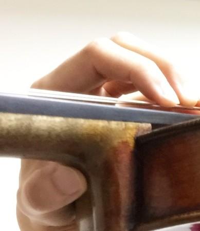 中野・江古田 バイオリン 個人レッスン ヴィオラ 吉瀬弥恵子 ワイズ音楽教室 ハイポジションの親指の位置