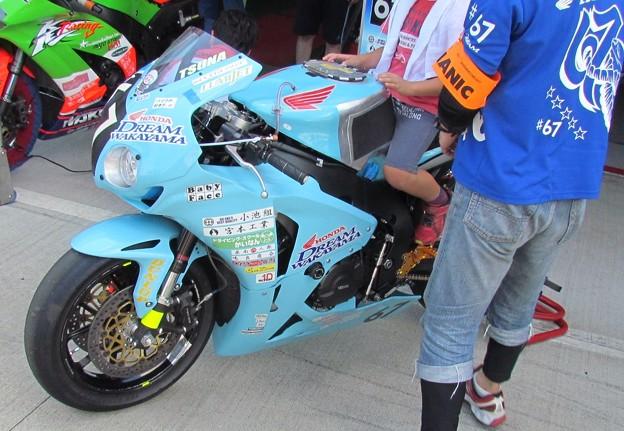 2014 鈴鹿8耐 Honda DREAM 和歌山 西中綱 岸田尊陽 新庄雅浩 CBR1000RR 74