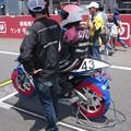 写真: 2014 #43 足立眞衣 NSF250R Hondaブルーヘルメット 全日本ロードレース J-GP3 jrr 005